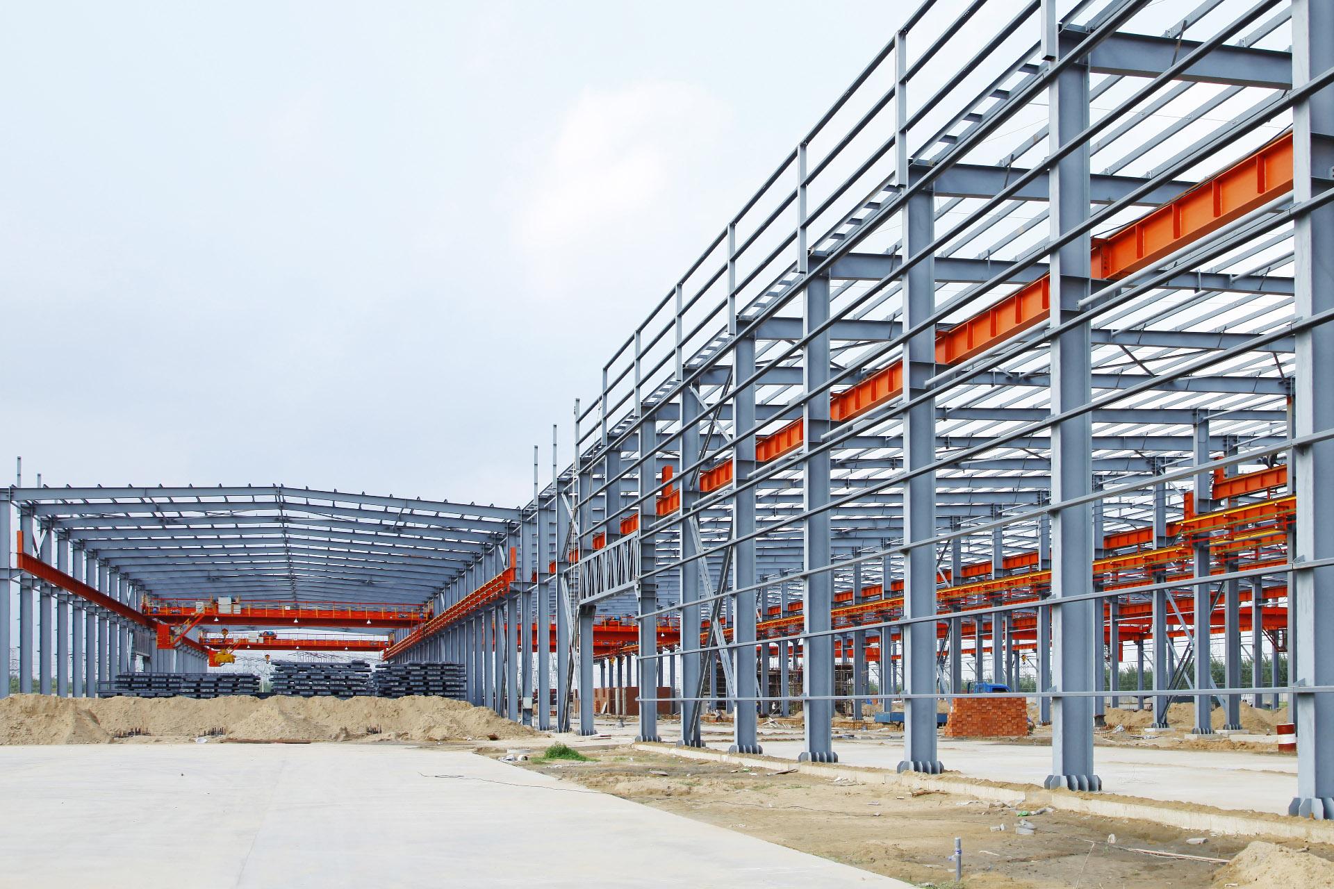 Hallenbau aus Stahl